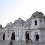 Mesquita Sat Gunbad, Daca